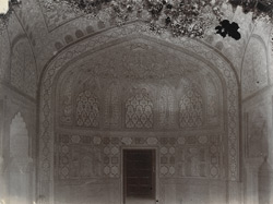 Interior of a room in the Sheesh Mahal, Amber Palace 10031583